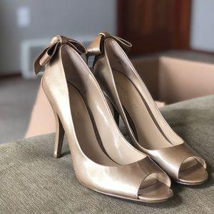 Enzo Angiolini light gold / tan heels size 9